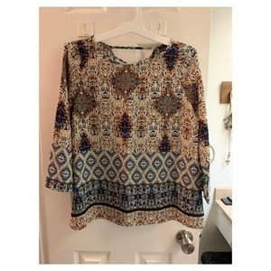 BNWT Multi-colored printed top. Size M.
